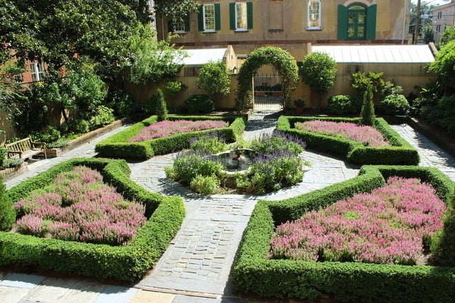 Owens-Thomas House garden