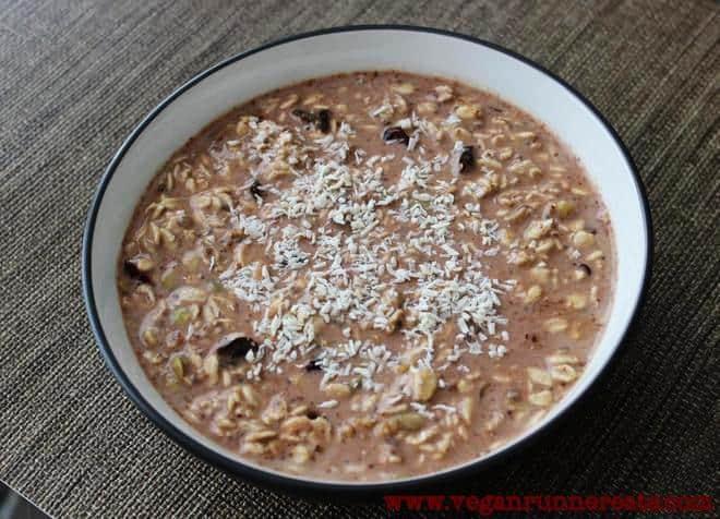 Easy vegan chocolate overnight oats