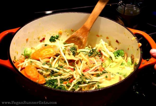 Stir-fry in pot