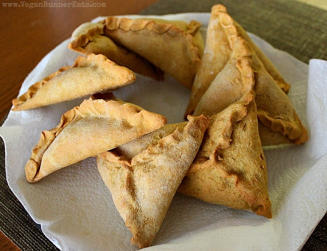 Ye'Diflin Misser Sambusas - Ethiopian lentil-stuffed pastries with a chickpea flour crust