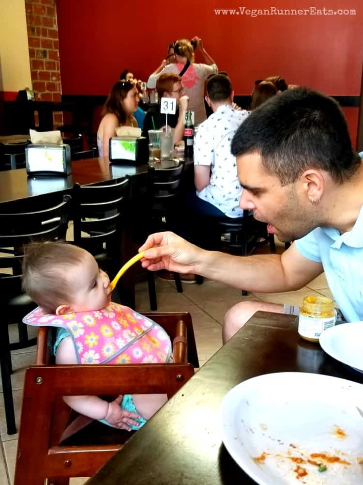 Tips for traveling with a baby - how to feed a baby when traveling
