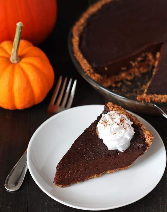 50 best vegan Thanksgiving dishes: Vegan Chocolate Pumpkin Pie Recipe from Delightful Adventures