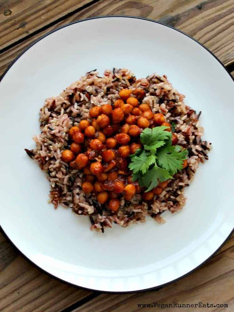 Healthy vegan recipes that are easy to make: simple BBQ chickpeas and rice recipe.