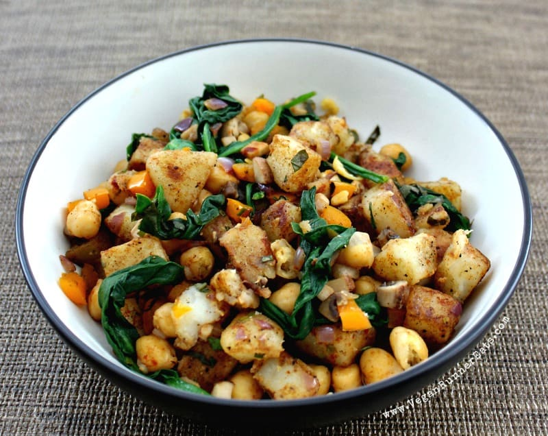 Vegan warm potato salad recipe with spinach and chickpeas