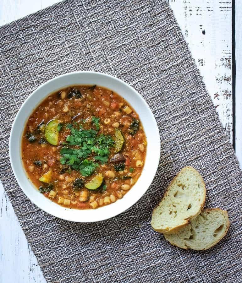 Vegan Instant Pot Minestrone Soup Recipe