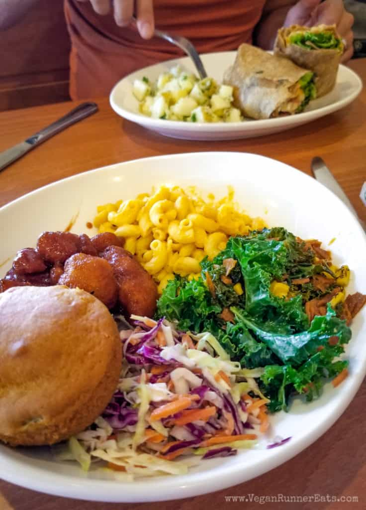 Vegan brunch San Diego: Backyard BBQ bowl at Native Foods