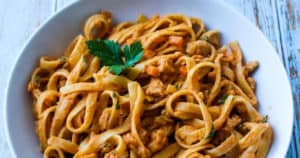 Vegan bolognese sauce with soy curls
