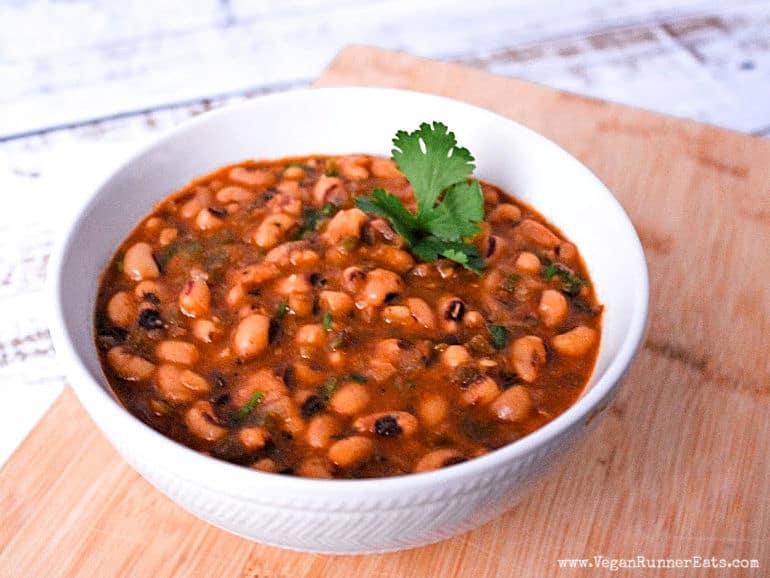 Healthy Instant Pot black eyed peas recipe vegan