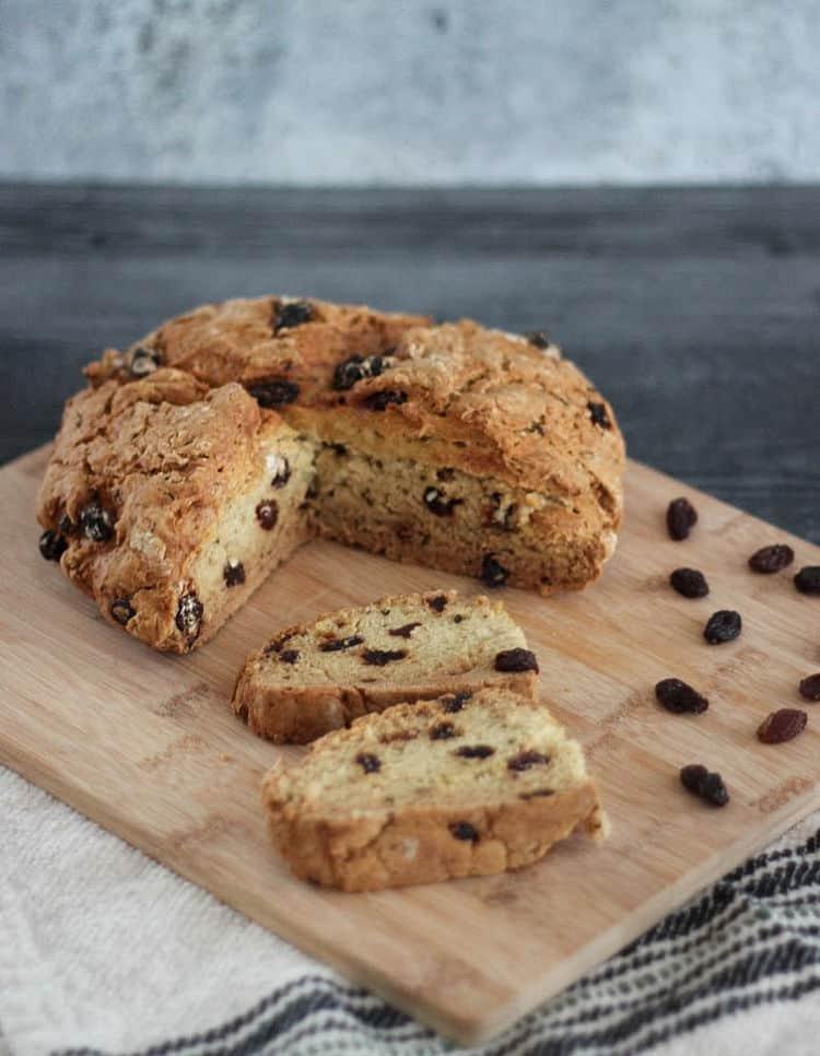 Recipe for homemade vegan Irish soda bread - yeast free, made with no buttermilk.