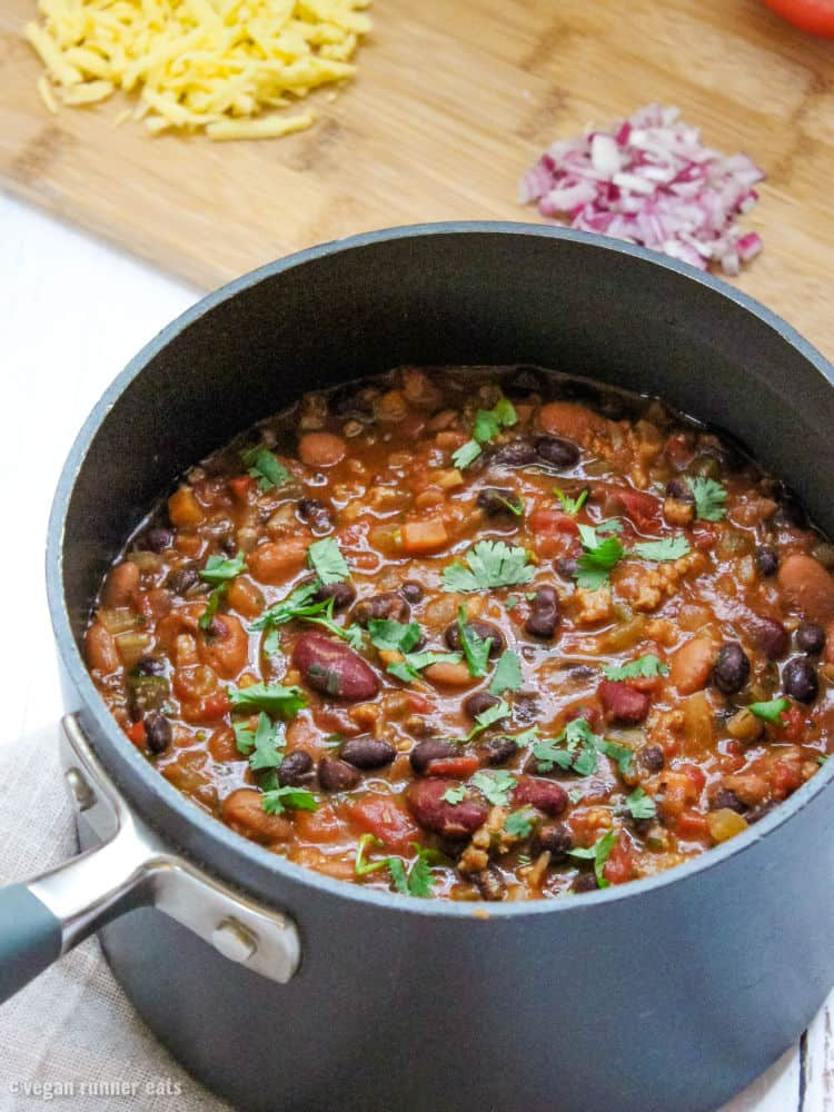 Ultimate vegan chili with meat substitute