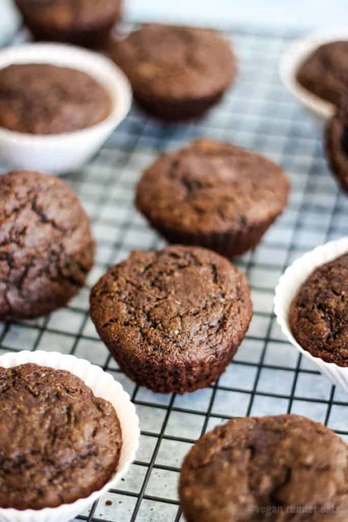 Vegan chocolate muffins with no oil