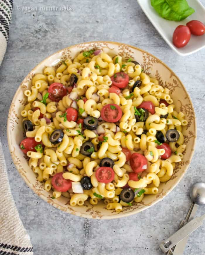 Italian-style macaroni salad vegan